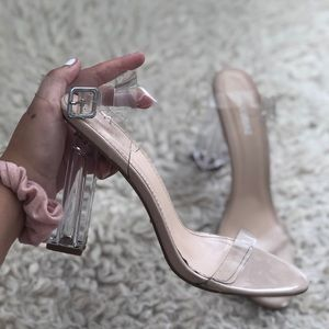 $7 SALE! 🎁 Block heal transparent Sandals